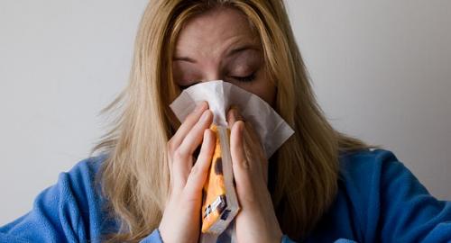 5 rimedi rapidi ed efficaci per alleviare i sintomi della rinite allergica